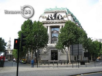 Professional grade removals in Aldwych
